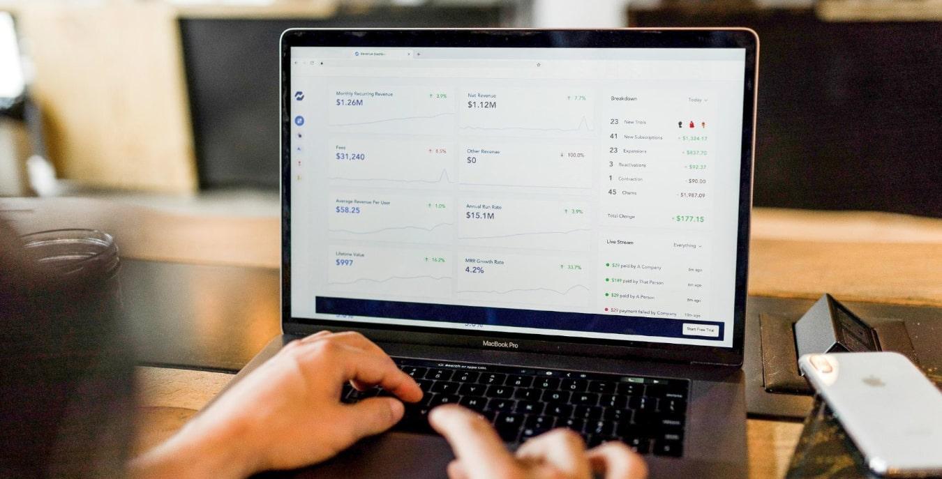 Vous pouvez gérer vos factures depuis un logiciel