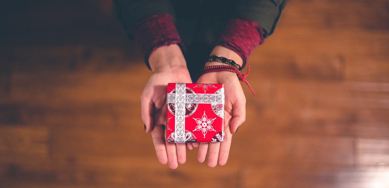 Offrir un cadeau à ses collègues