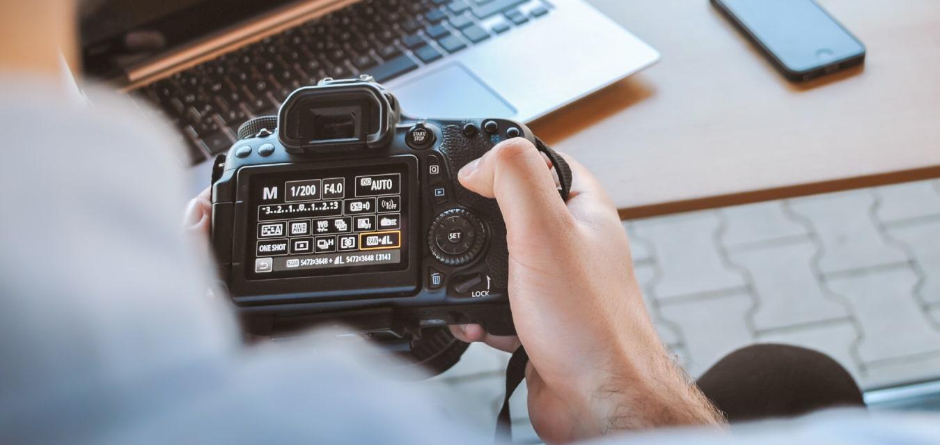 Un photographe peut vendre des impressions de ses photos