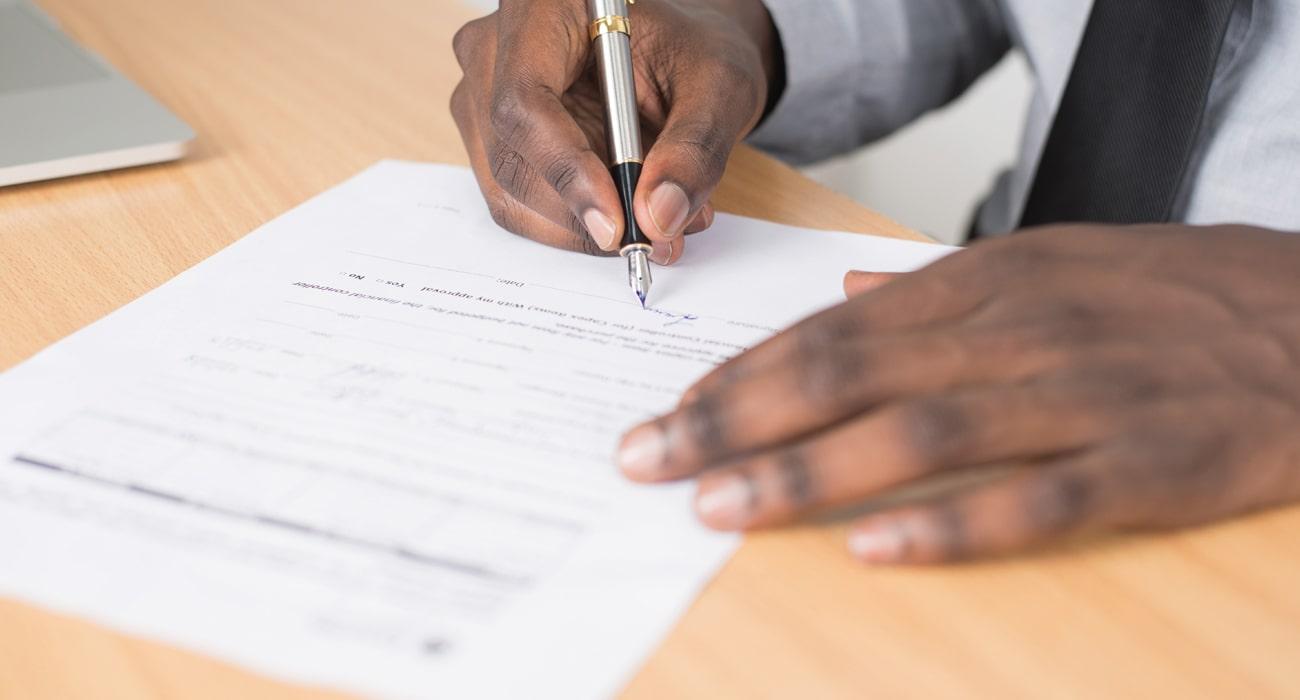 Rédaction et signature du PV d'assemblée générale.